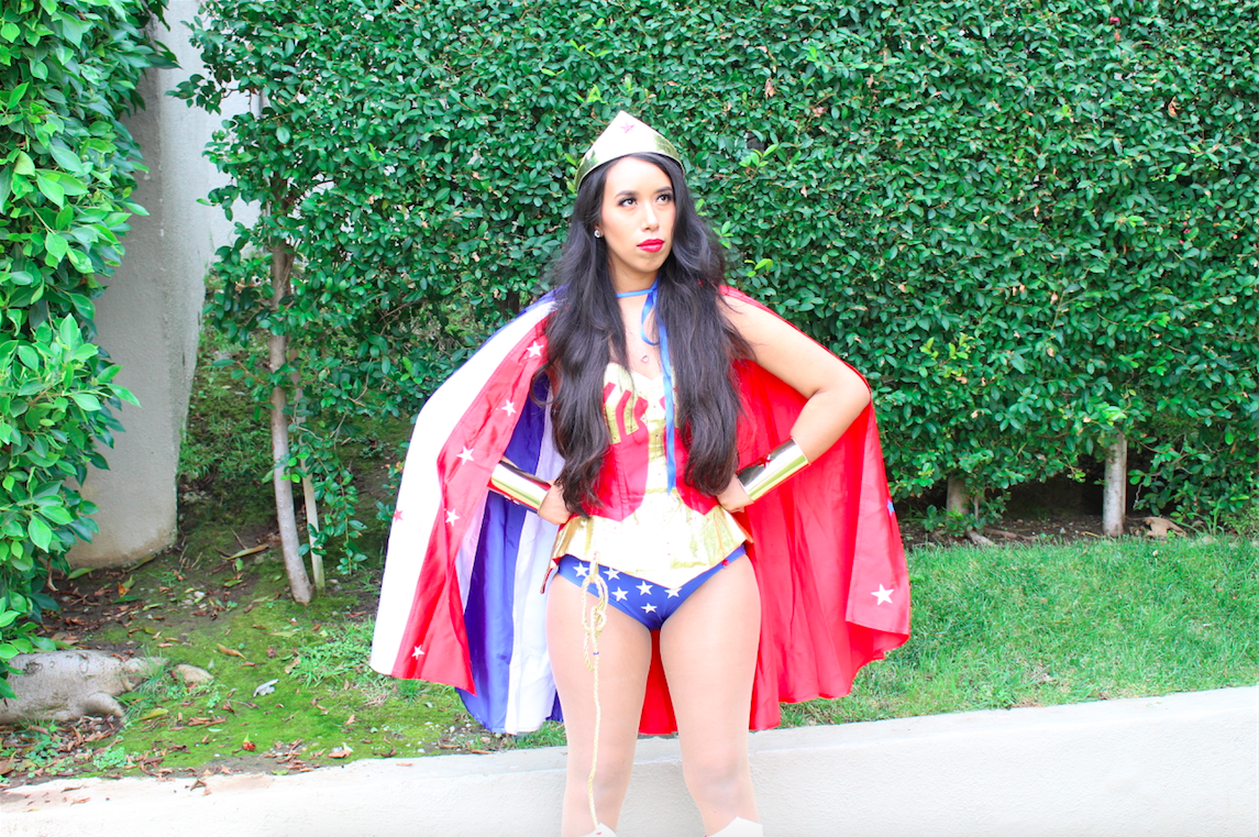 Wonder Woman Halloween Costume - YouTube Hair and Makeup Tutorial
