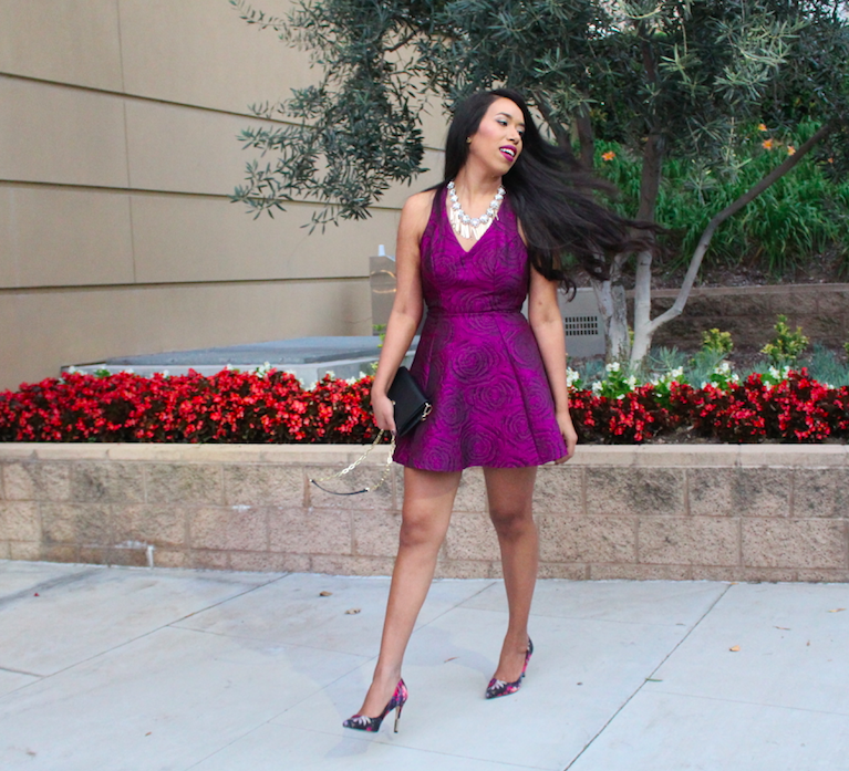The majority of people wear black on a Saturday night, but I'm the complete opposite. I prefer to wear pretty colors, awesome prints, and textures. That's why this brocade party dress is just perfect. Plus, it comes in a beautiful orchid shade.